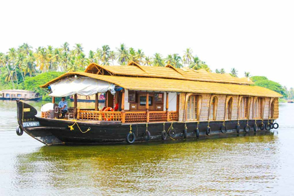 3 bedroom deluxe ac houseboat package