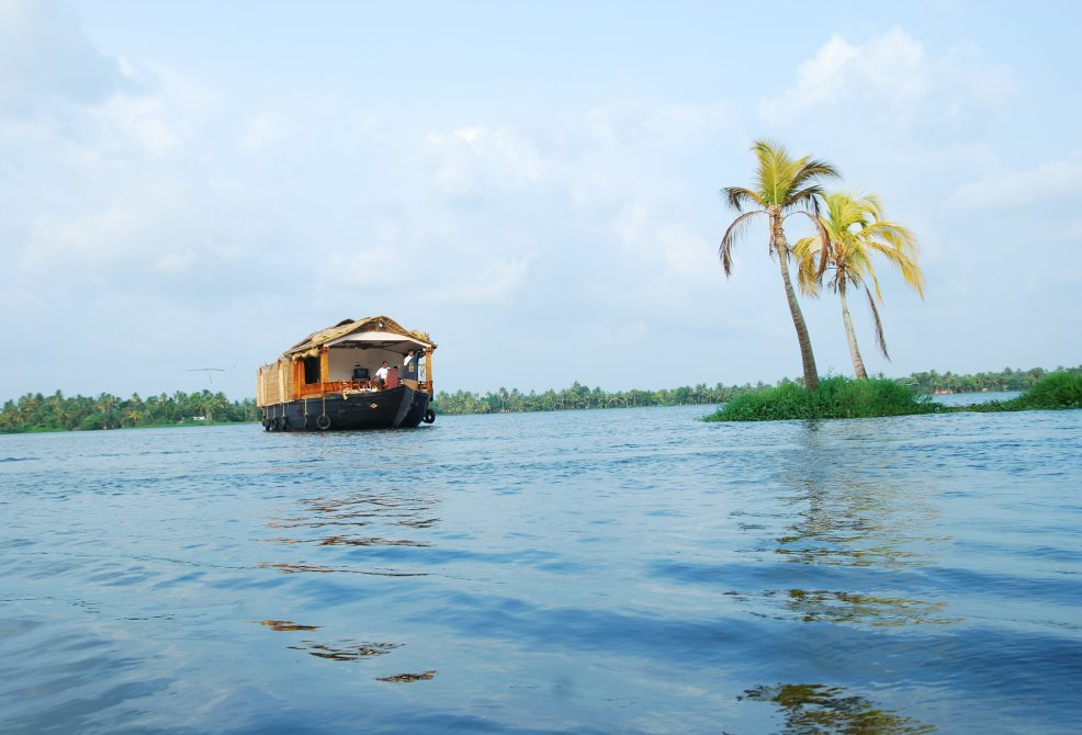 Double Bedroom Premium Alleppey Boathouse Package