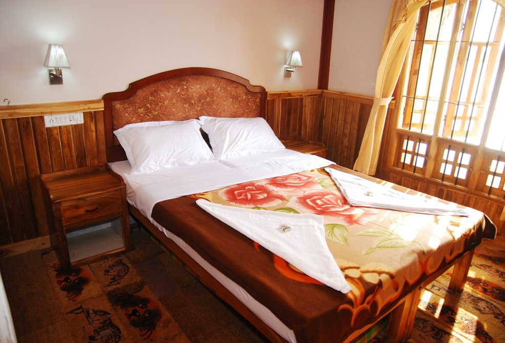 Double Bedroom Deluxe Alleppey Boathouse Package
